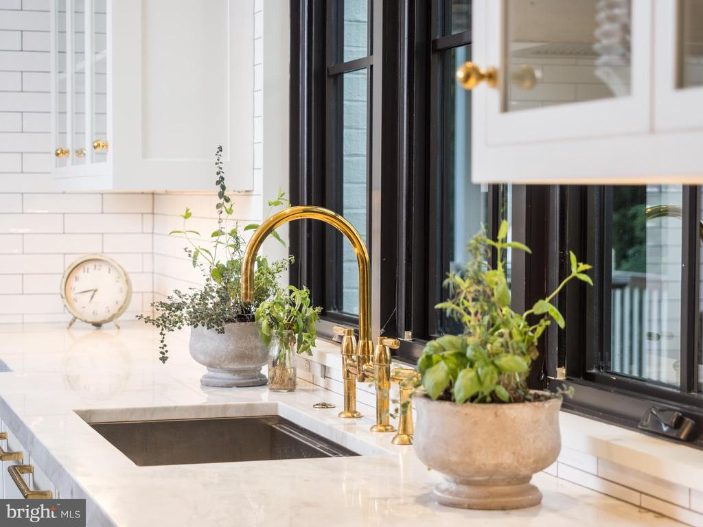 Rohl faucet in unlacquered brass, Ruvati sinks - 6404 GARNETT DR, CHEVY CHASE