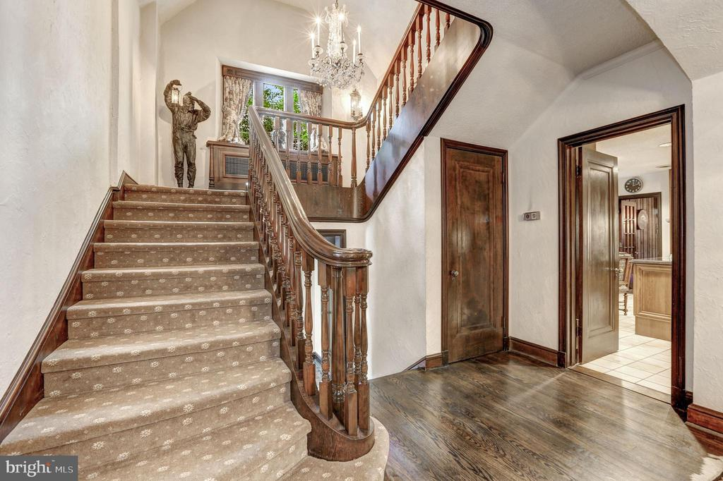 Main Staircase - 5903 CONNECTICUT AVE, CHEVY CHASE