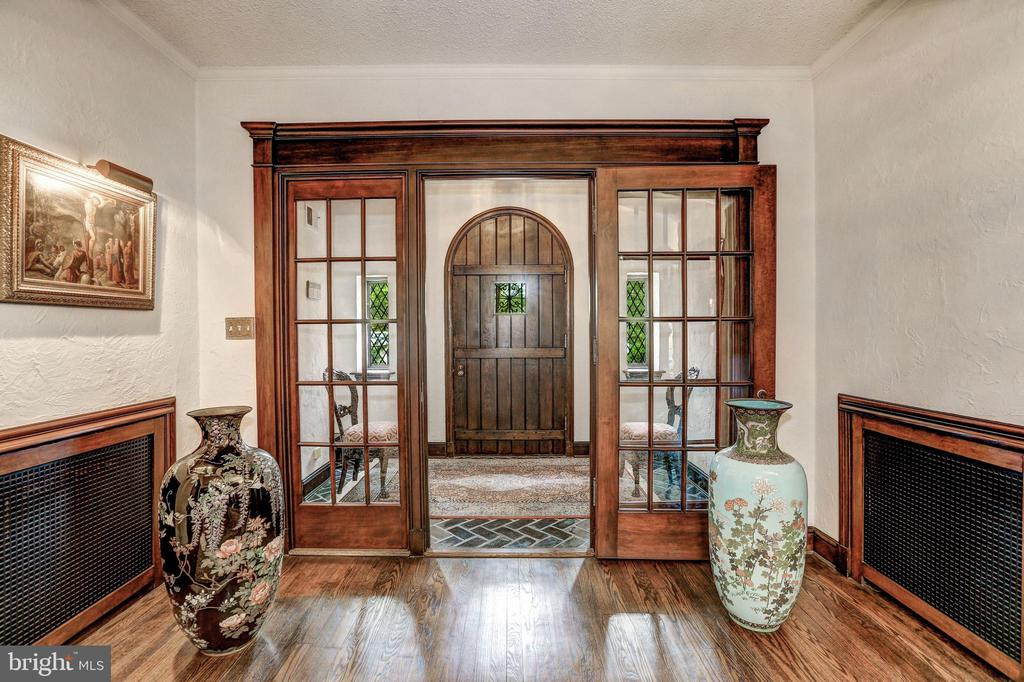Entry Foyer - 5903 CONNECTICUT AVE, CHEVY CHASE