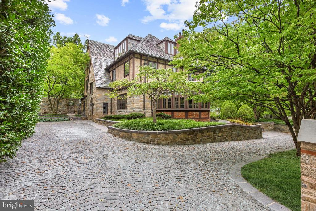 Lenox Street Circular Driveway - 5903 CONNECTICUT AVE, CHEVY CHASE