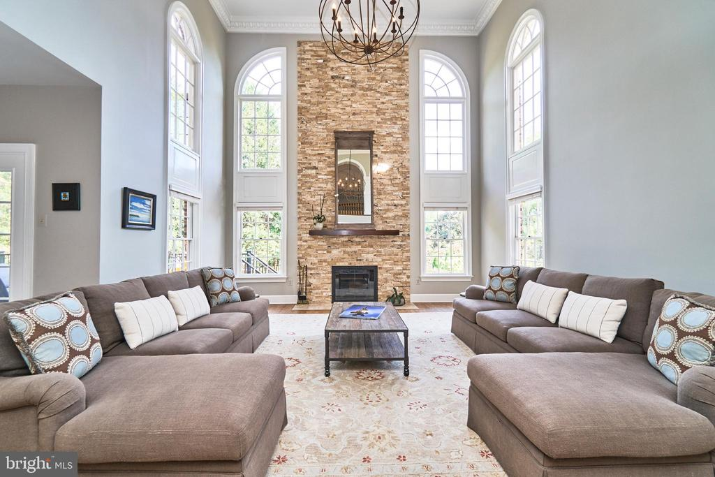 Grand Two-Story Family Room - 1607 FIELDING LEWIS WAY, MCLEAN