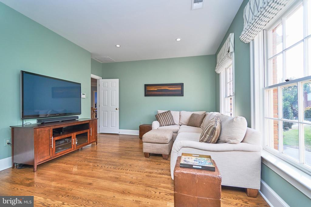 Hardwood Floor in Master Sitting Area - 1607 FIELDING LEWIS WAY, MCLEAN