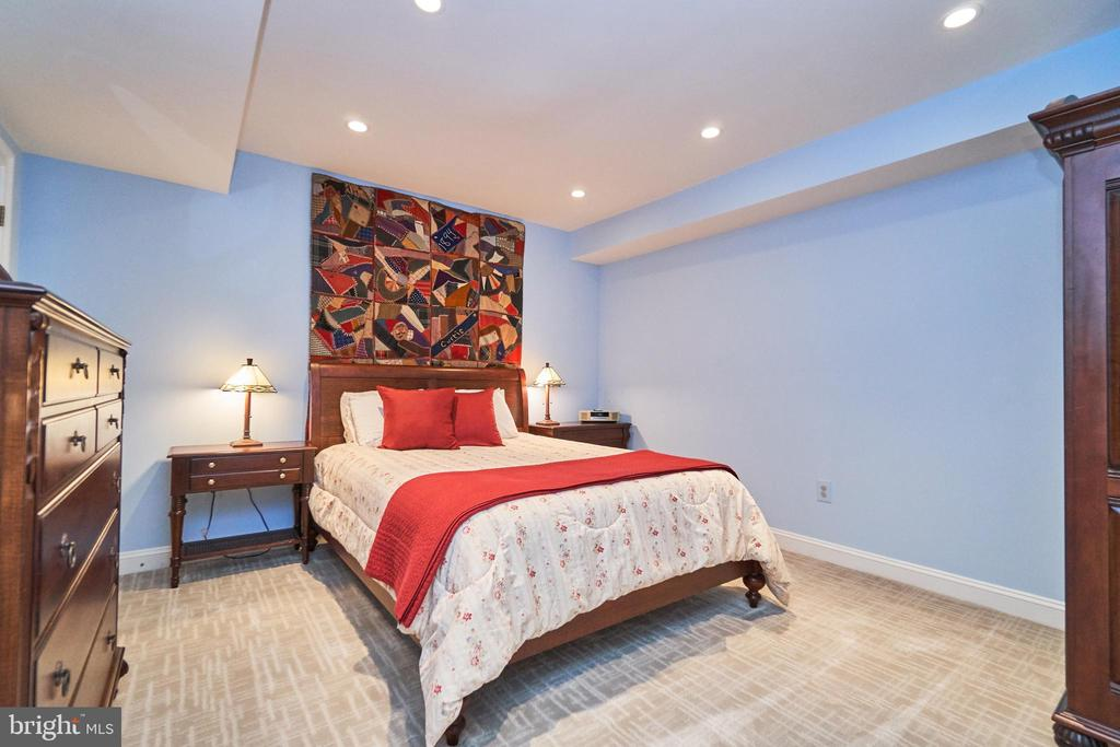 Lower Level Bedroom with Recessed Lighting - 1607 FIELDING LEWIS WAY, MCLEAN