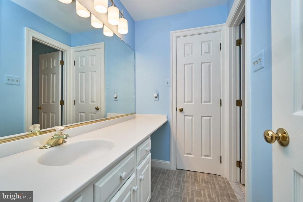 Lower Level Full Bath - 1607 FIELDING LEWIS WAY, MCLEAN
