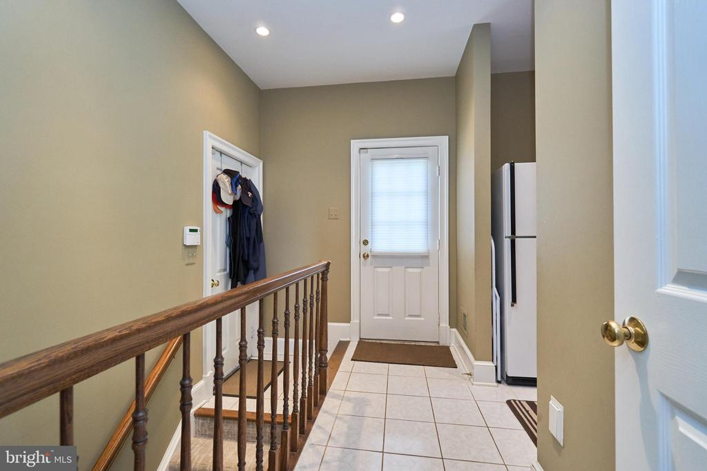 Side Entrance with 2nd Stairway Downstairs - 1607 FIELDING LEWIS WAY, MCLEAN