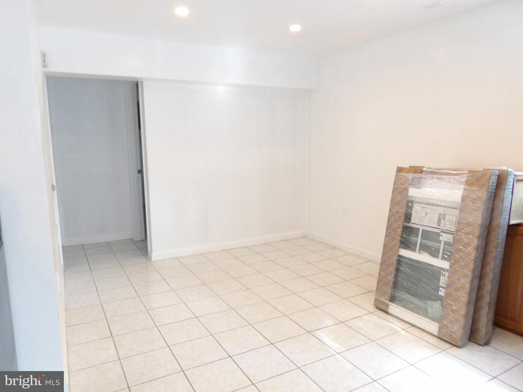 Basement Living Area - 2800 N PERSHING DR, ARLINGTON