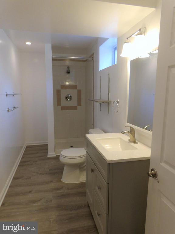 Basement Bath - 2800 N PERSHING DR, ARLINGTON