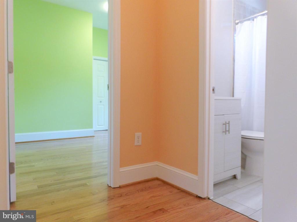 Hallway - 2800 N PERSHING DR, ARLINGTON