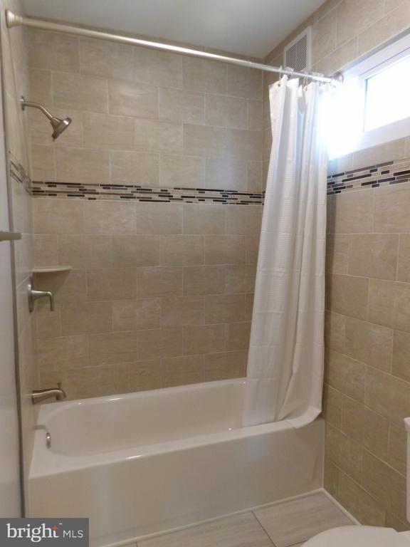 Master Bath - 2800 N PERSHING DR, ARLINGTON