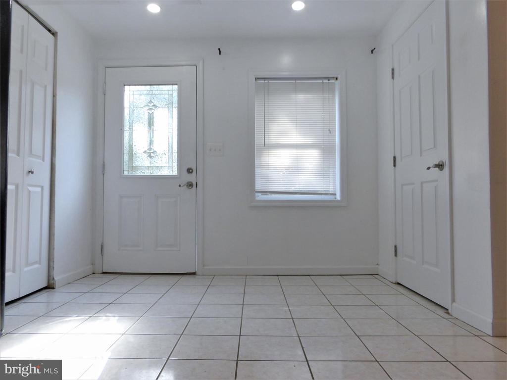 Basement Foyer - 2800 N PERSHING DR, ARLINGTON