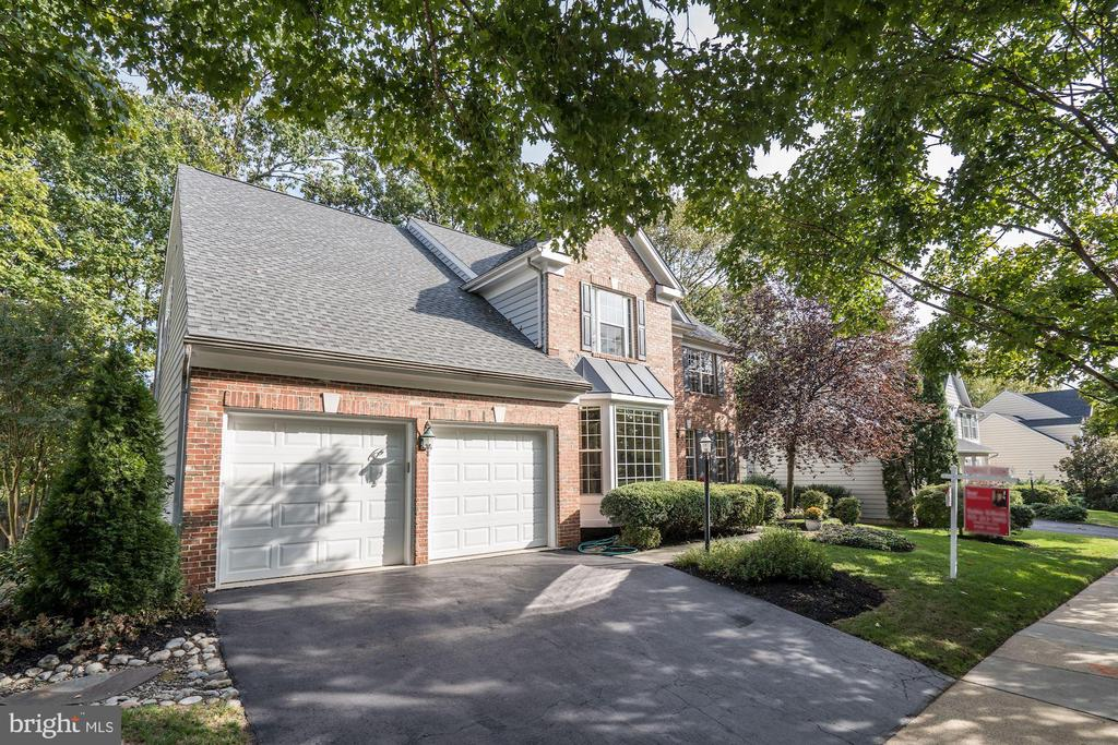 - 25272 RIPLEYS FIELD DR, CHANTILLY