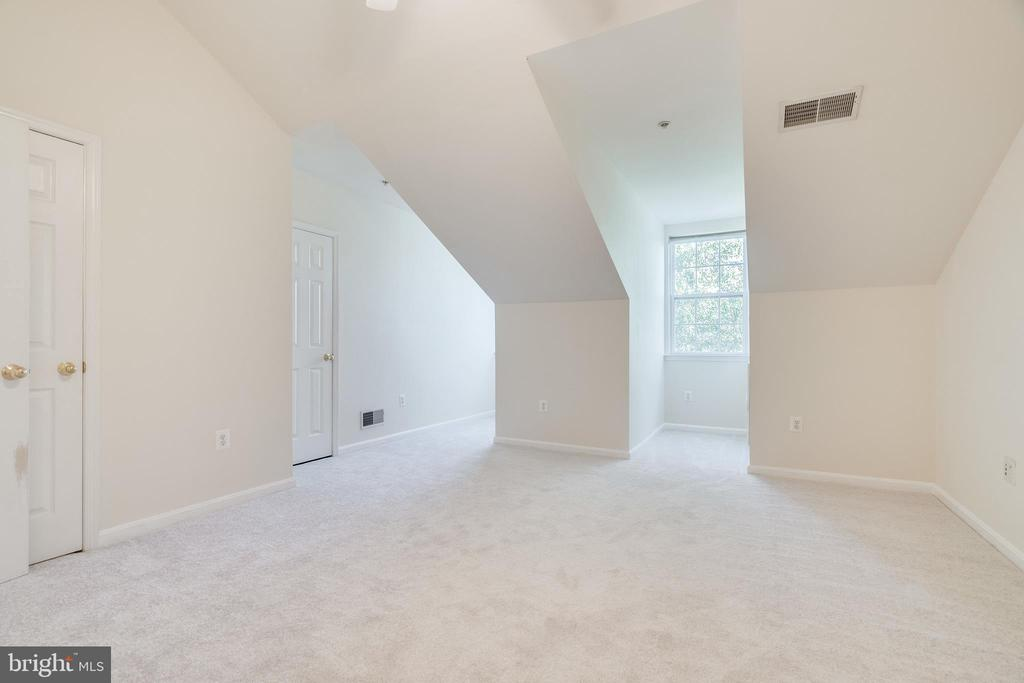 3RD BEDROOM ON 4TH LEVEL - 336 CAMERON STATION BLVD, ALEXANDRIA