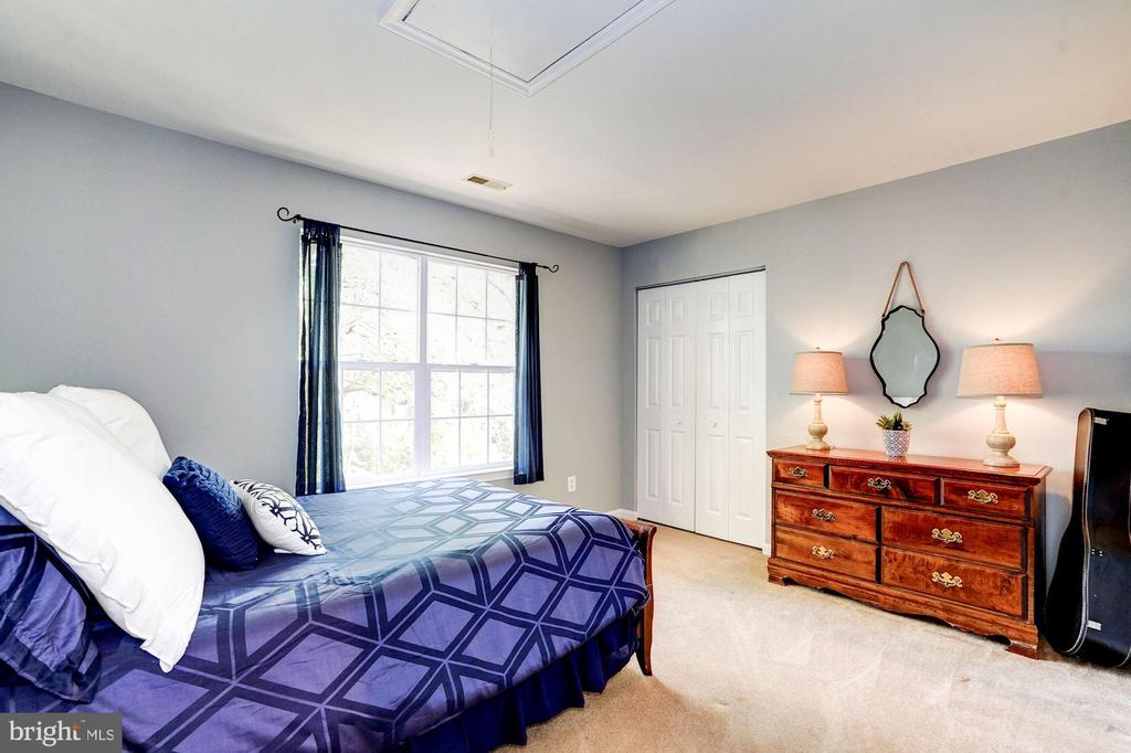 bedroom 2 - 25272 RIPLEYS FIELD DR, CHANTILLY