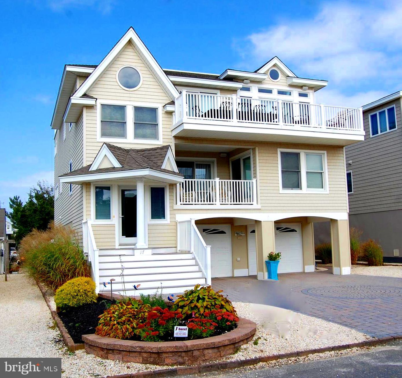 Single Family Homes vì Bán tại Surf City, New Jersey 08008 Hoa Kỳ