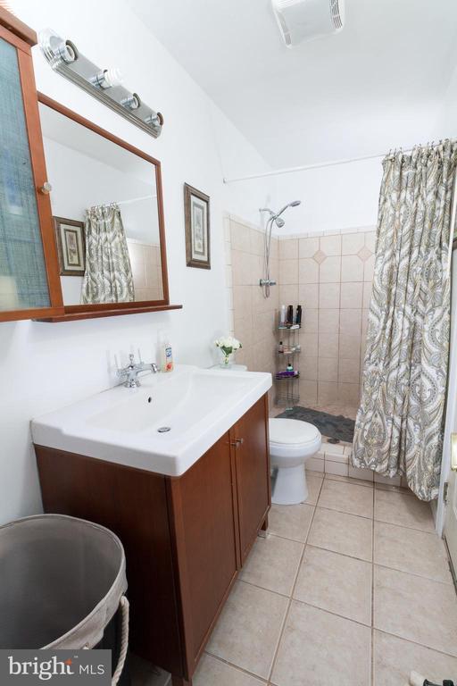 Master Bathroom - 1113 SPOTSWOOD DR, SILVER SPRING