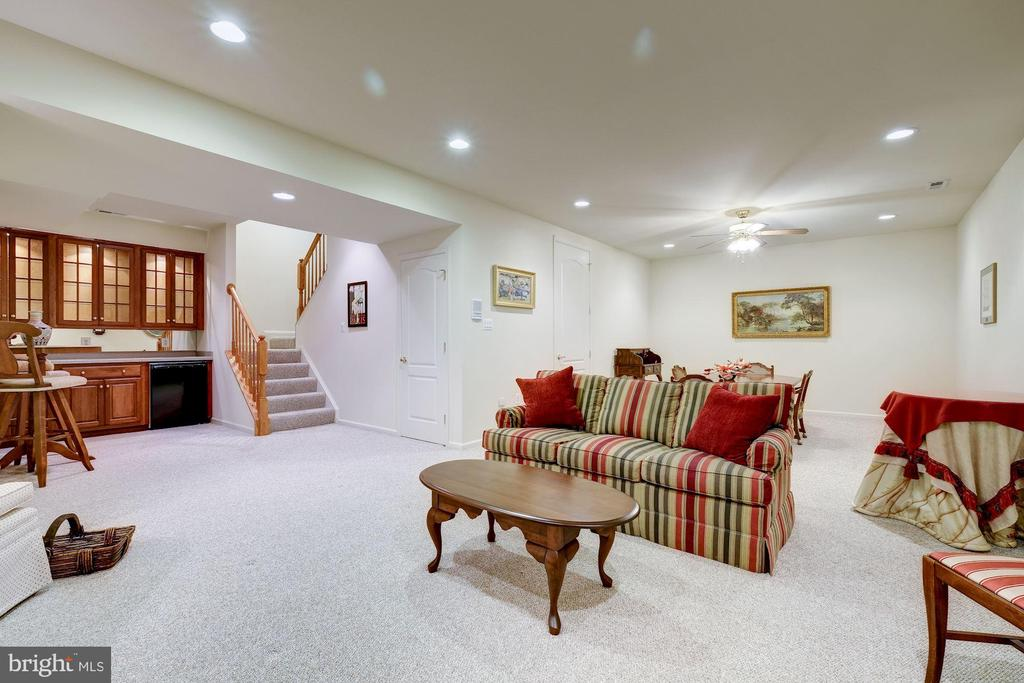 ANOTHER VIEW OF THE GREAT ROOM - 2669 BROOK VALLEY RD, FREDERICK