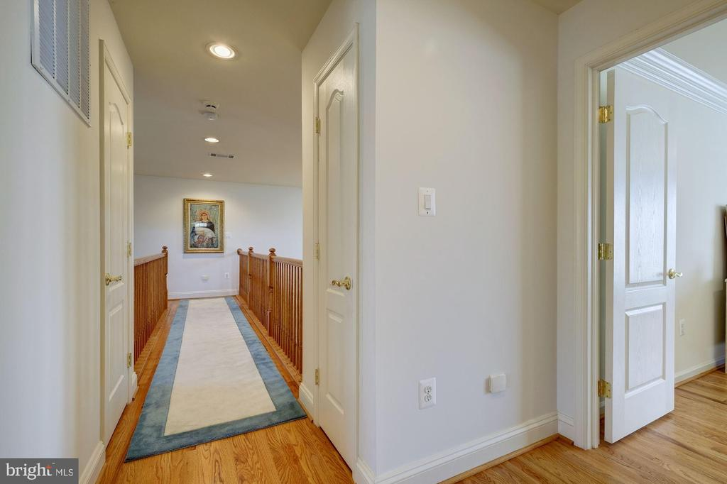 OPEN HALL ON THE UPPER LEVEL - 2669 BROOK VALLEY RD, FREDERICK