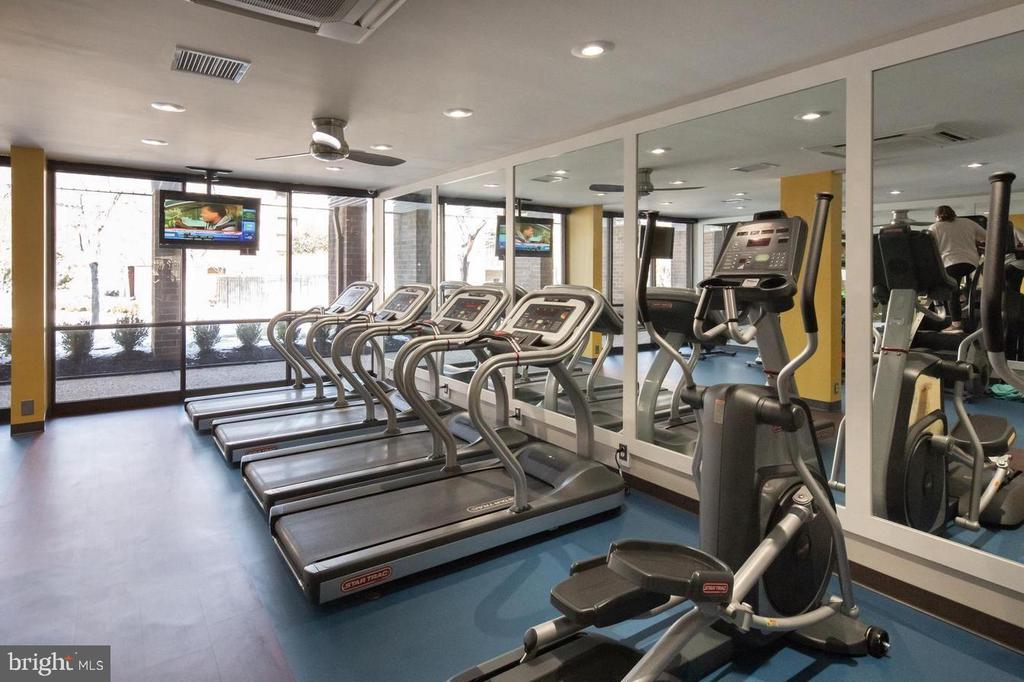 Why join a gym when you have it right here! - 12 S VAN DORN ST #404, ALEXANDRIA