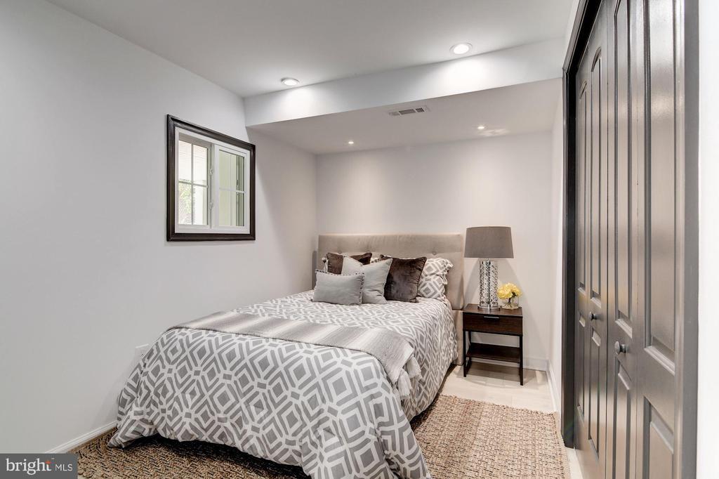 Fourth Bedroom - 1362 OAK ST NW, WASHINGTON