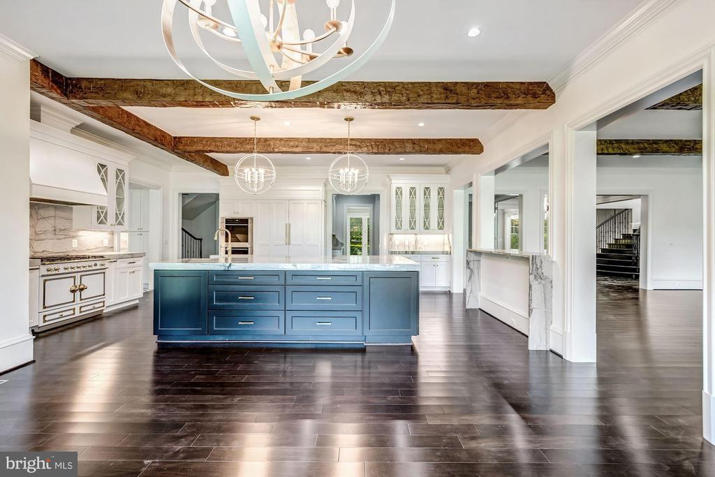 Amazing High-End Kitchen - 8533 GEORGETOWN PIKE, MCLEAN