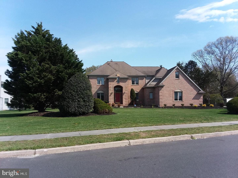 Single Family Homes pour l Vente à Turnersville, New Jersey 08012 États-Unis