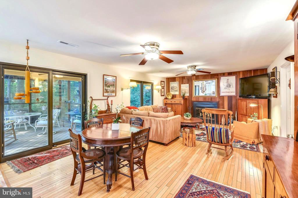 Kitchen/Living combo opens to massive screen porch - 10733 CROSS SCHOOL RD, RESTON