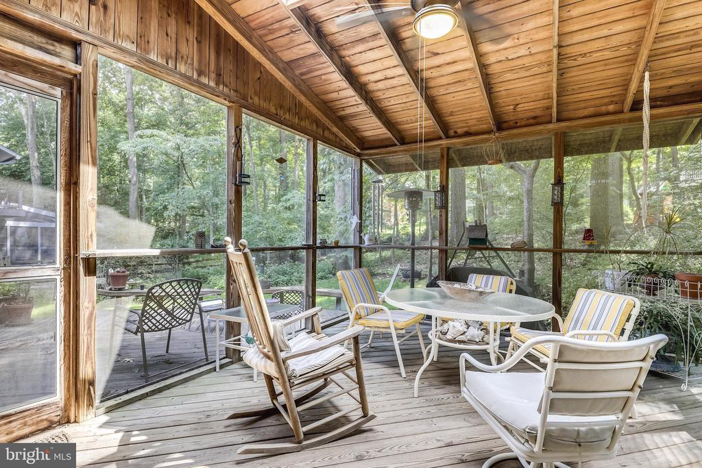 Large screened in porch with huge skylight and fan - 10733 CROSS SCHOOL RD, RESTON