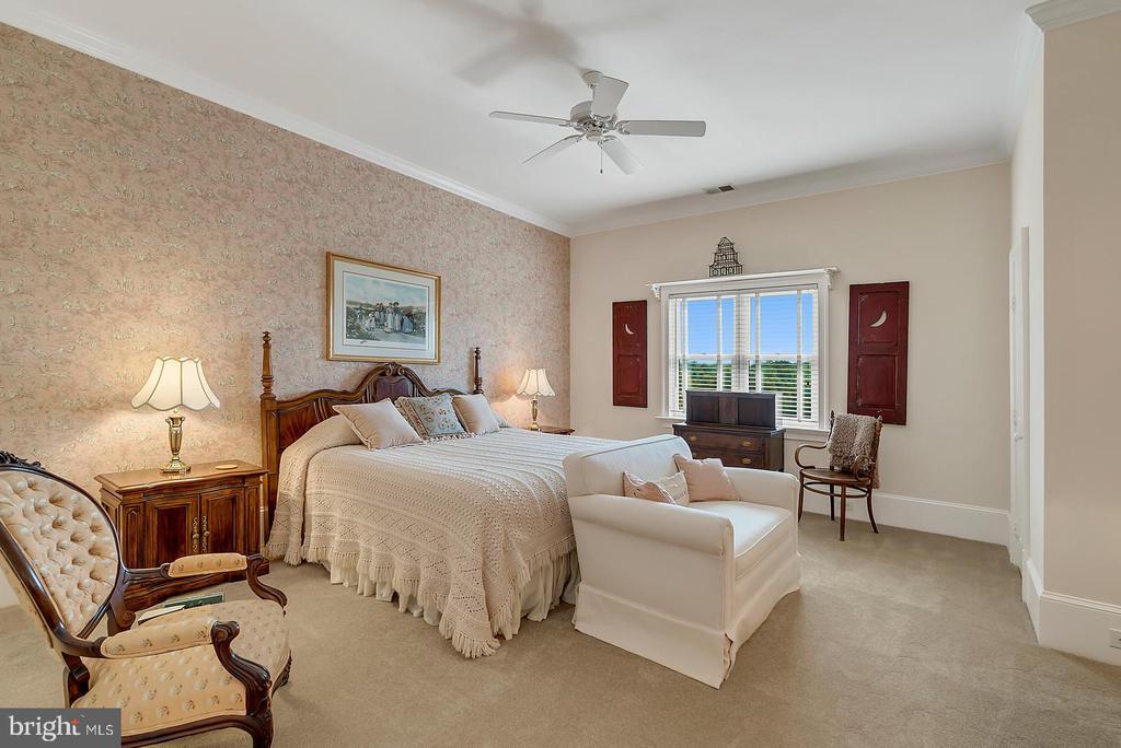 Bedroom #4 - 39655 SNICKERSVILLE TPKE, MIDDLEBURG