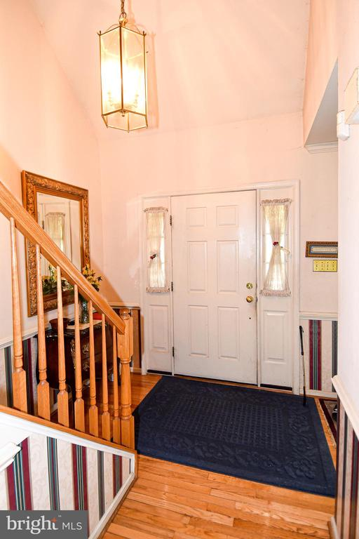 Welcoming entryway with high ceilings - 13919 WHETSTONE MANOR CT, CLIFTON