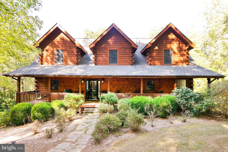 Single Family Homes のために 売買 アット High View, ウェストバージニア 26808 アメリカ