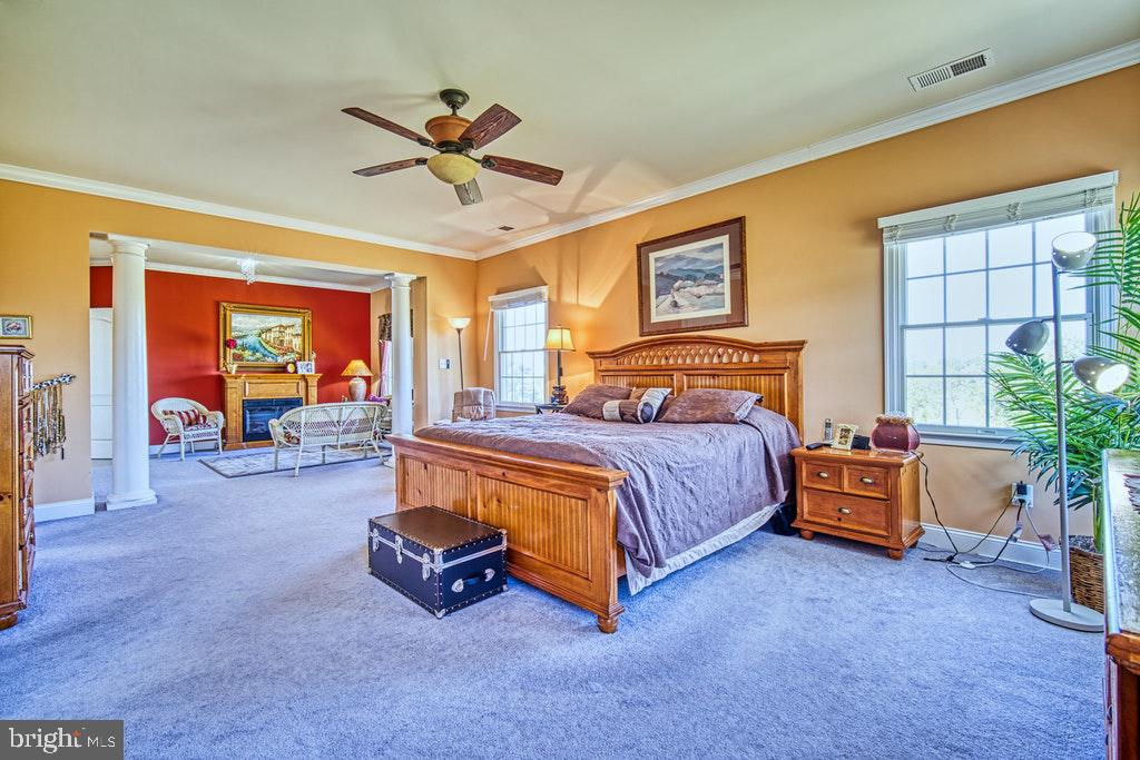 Wonderful light from lots of windows - 15500 BANKFIELD DR, WATERFORD