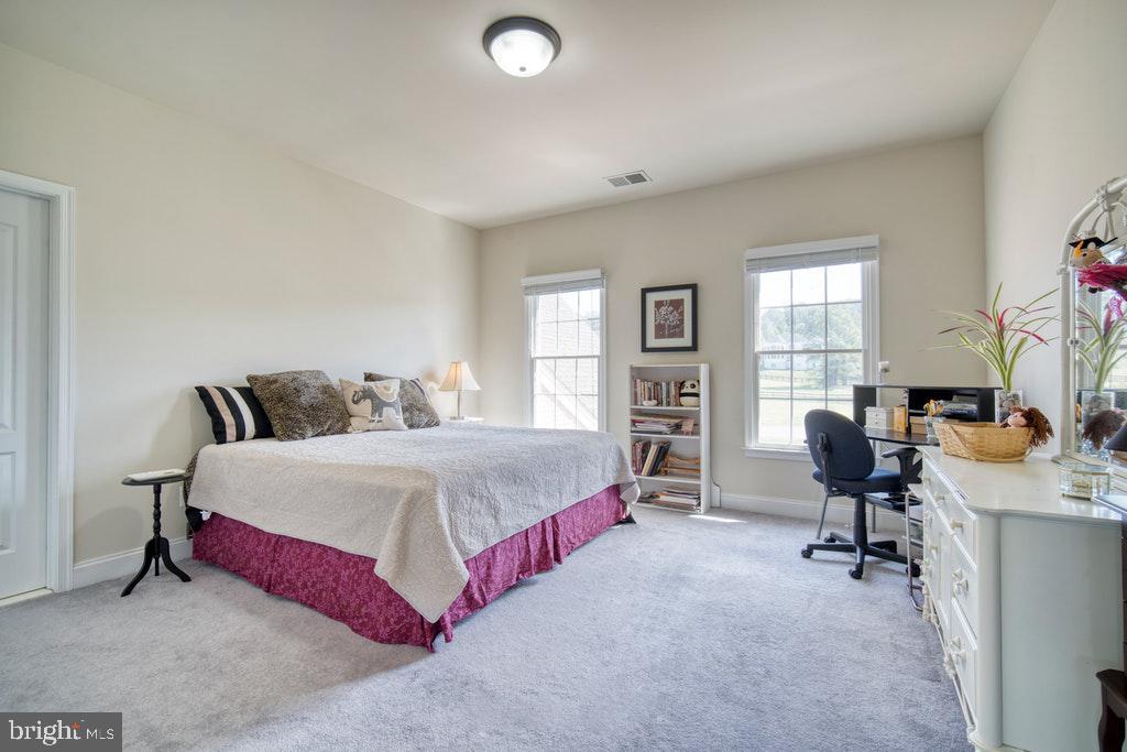 Bedroom 2 - 15500 BANKFIELD DR, WATERFORD
