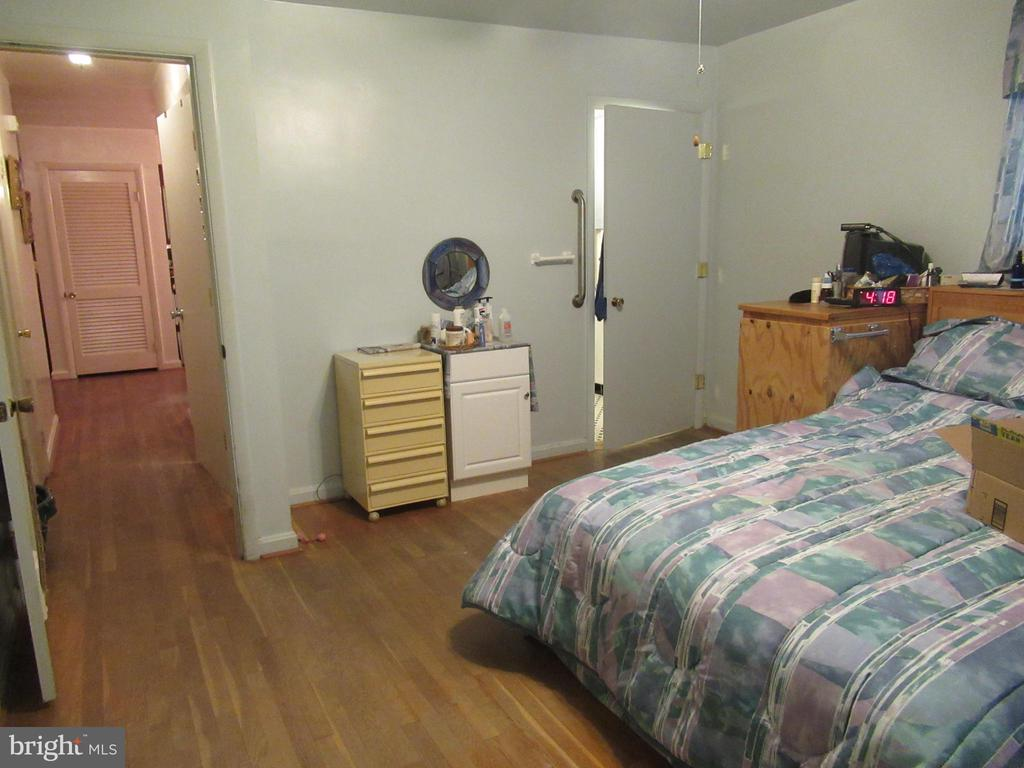 MBR is spacious - 7403 RADCLIFFE DR, COLLEGE PARK