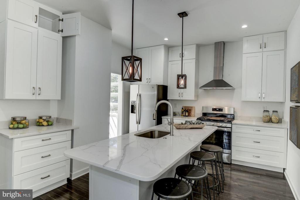 Gourmet Kitchen - 3304 17TH ST NE, WASHINGTON