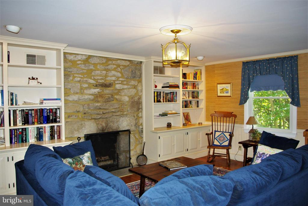 The living room - 21 ANNIES LN, SPERRYVILLE