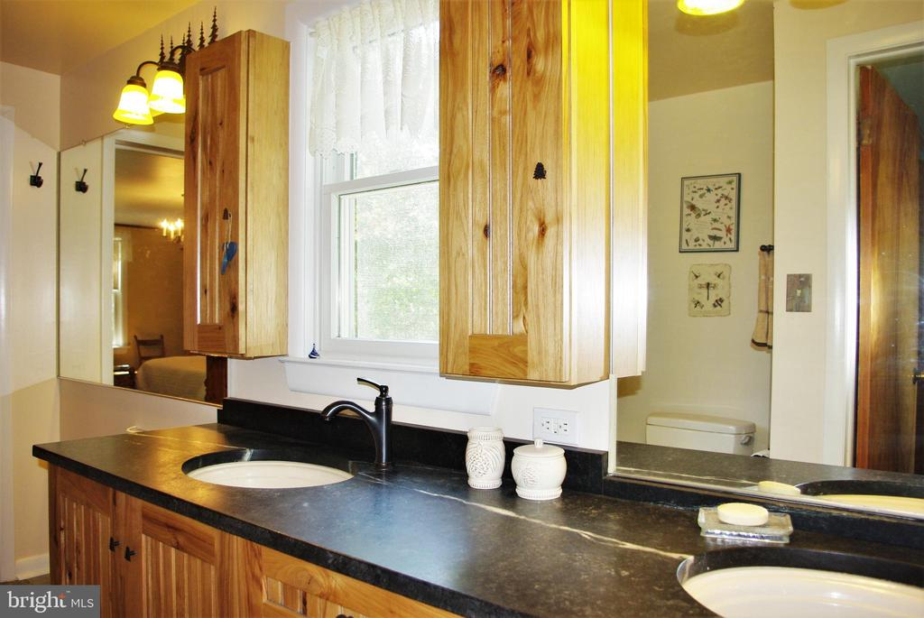 Master bath with soapstone counters - 21 ANNIES LN, SPERRYVILLE