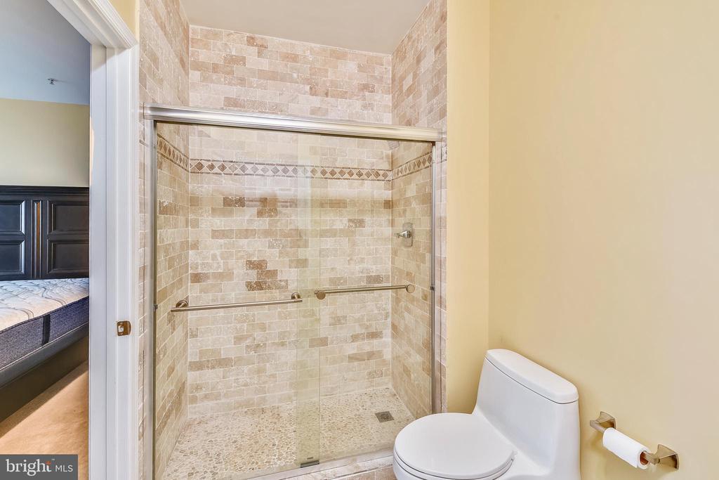 Beautiful floor to ceiling tile! - 22641 BLUE ELDER #201, ASHBURN