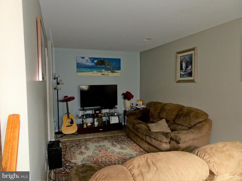 Living Room - 9746 HAGEL CIR #E, LORTON