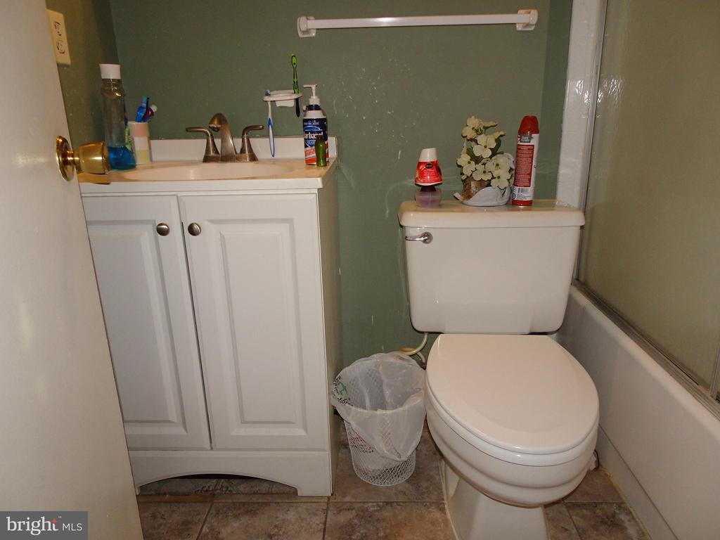 Updated Master Bath - 9746 HAGEL CIR #E, LORTON