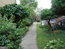Lush landscaping around complex - 9746 HAGEL CIR #E, LORTON