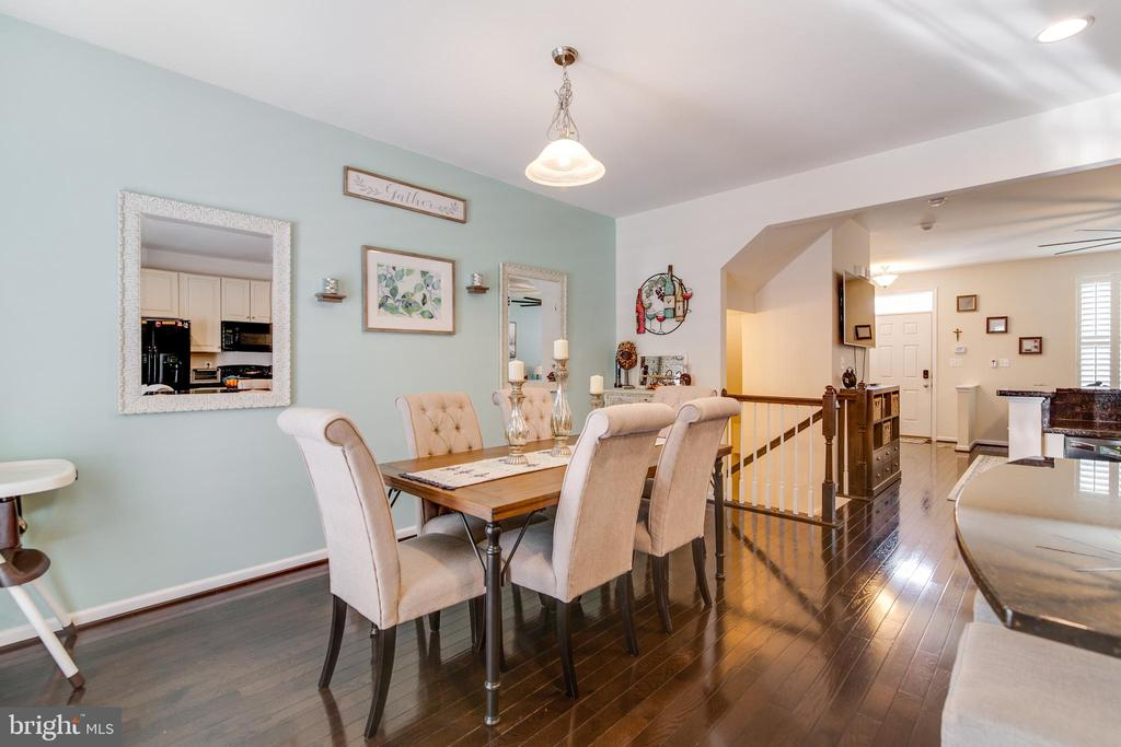 Lovely eat-in kitchen with lots of room! - 4624 ALLIANCE WAY, FREDERICKSBURG