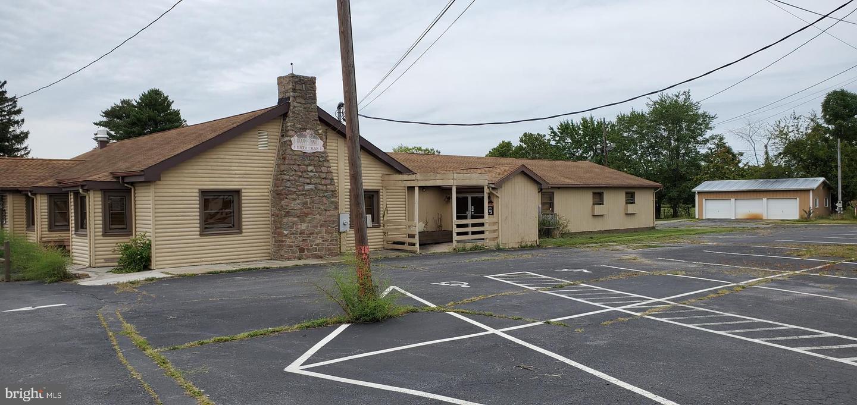 Retail for Sale at Waynesboro, Pennsylvania 17268 United States