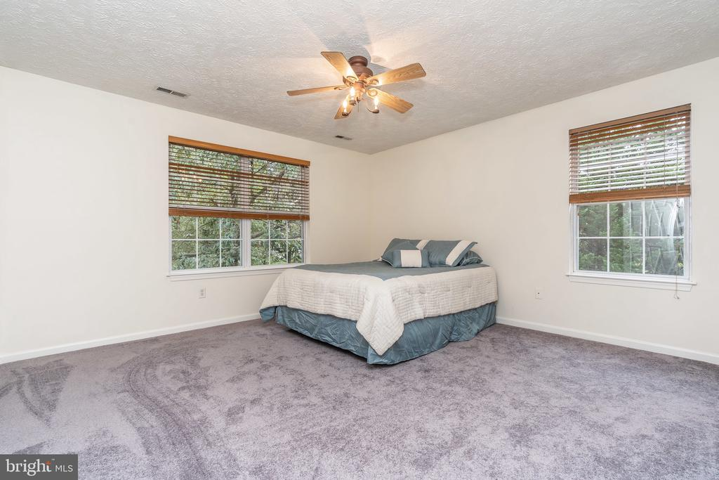Master Bedroom - 119 FOXHOUND DR, GLEN BURNIE