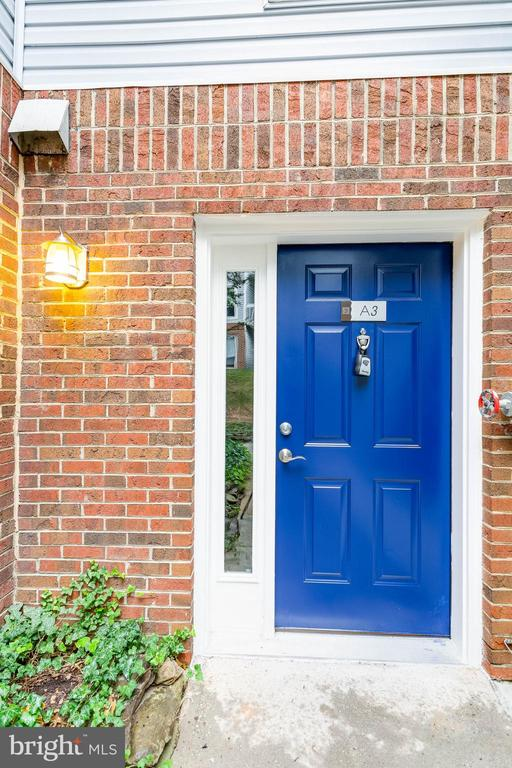 Such a bright door welcomes you home! - 10248 APPALACHIAN CIR #1-A3, OAKTON