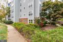 Nice garden walk - 10248 APPALACHIAN CIR #1-A3, OAKTON