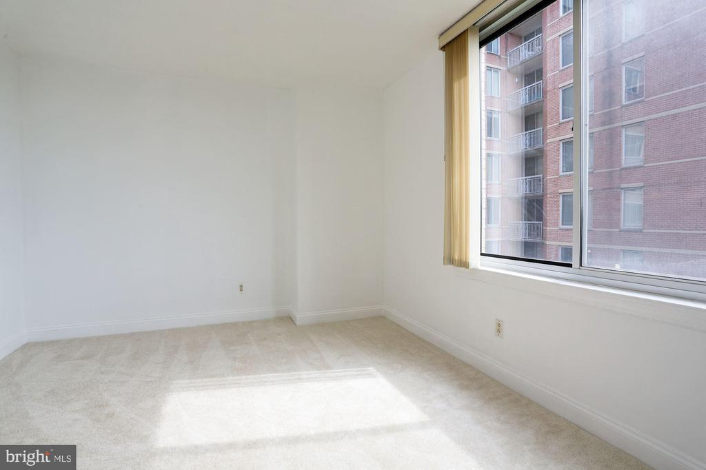 Bedroom #3 / Den - 1020 N HIGHLAND ST #524, ARLINGTON
