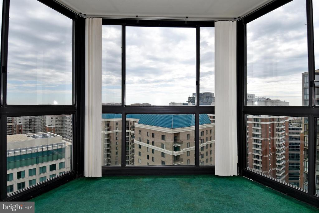 Enclosed Balcony - 900 N STAFFORD ST #2430, ARLINGTON