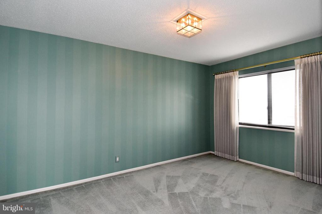 Existing Dining Room:  Great CITY View - 900 N STAFFORD ST #2430, ARLINGTON