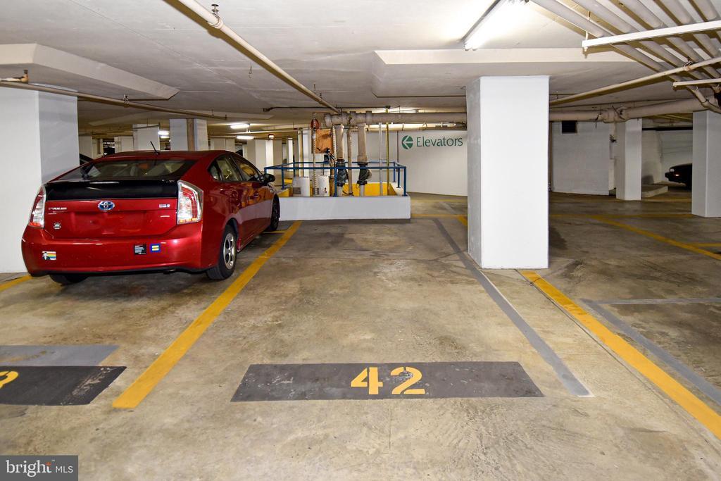 Deeded Parking - 900 N STAFFORD ST #2430, ARLINGTON