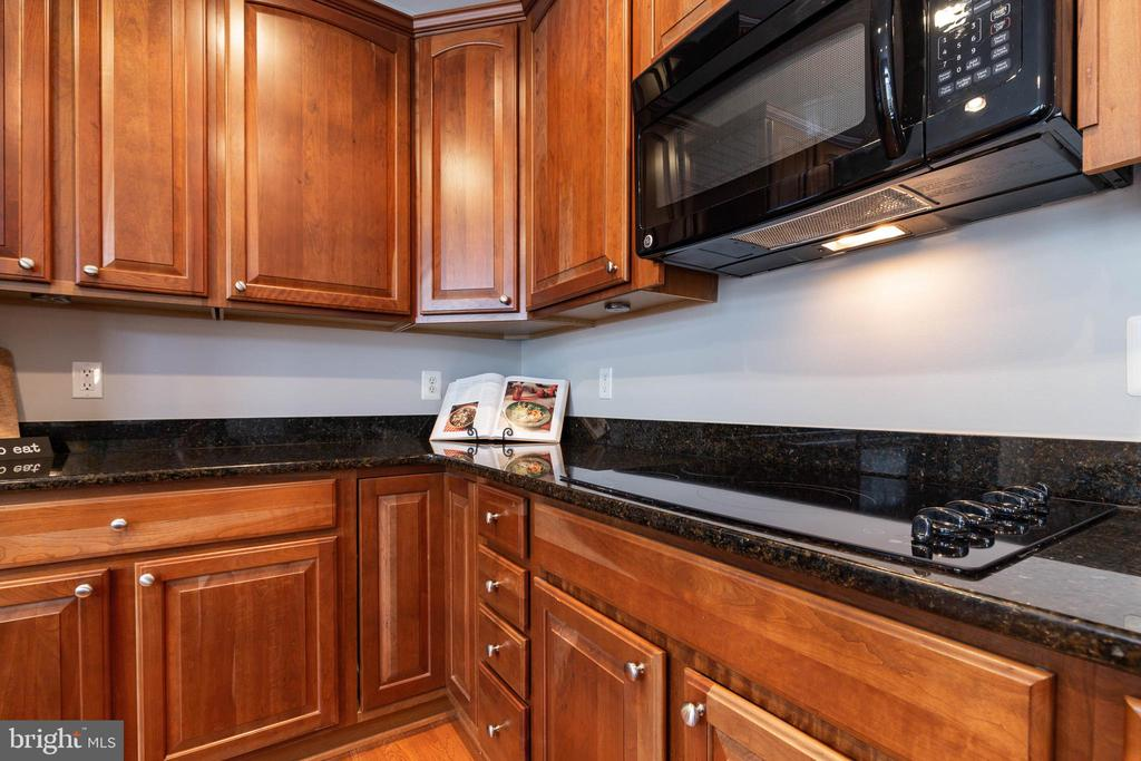 Kitchen - 2229 POTOMAC CLUB PKWY #32, WOODBRIDGE